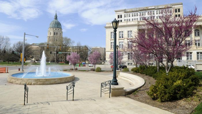 What is the largest city in Kansas?