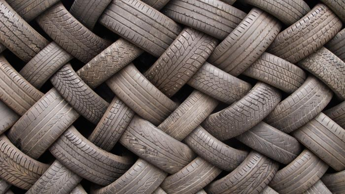 How Do I Find Locations for Les Schwab Tire Centers?