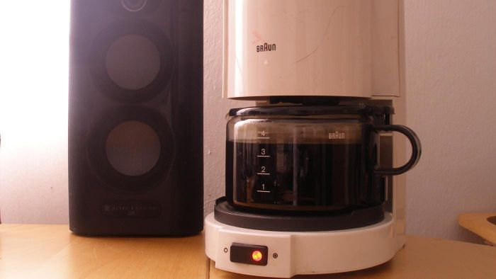 Does Lowes Carry Coffee Makers?