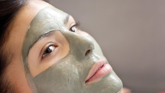 How Do You Make a Green Face Mask?