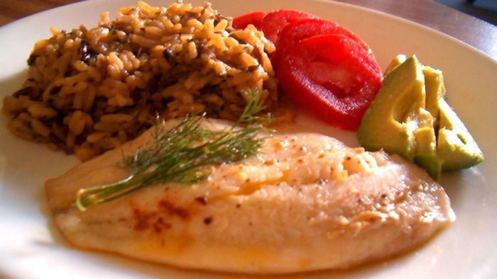 How many calories are in tilapia?