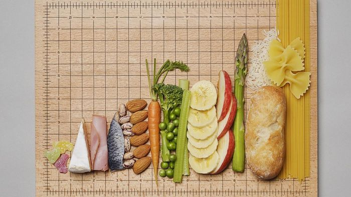 How Many Carbs Can I Eat on a Low-Carb Diet?