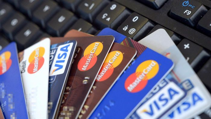 How Many Credit Cards Should You Have to Maintain a Good Credit Score?