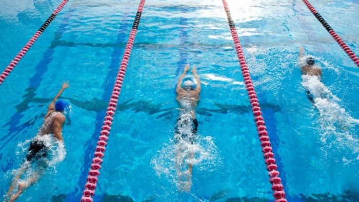 How many laps is 400 meters?