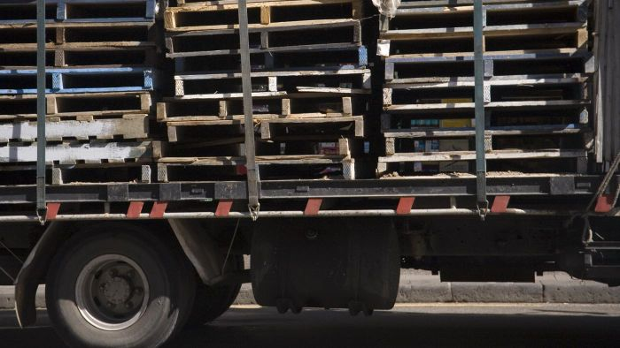 How Many Pallets Fit in a 20-Foot Container?