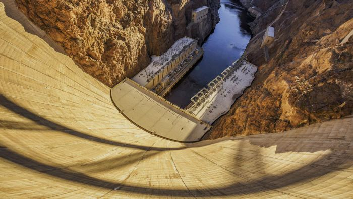 How Many People Died Building the Hoover Dam?