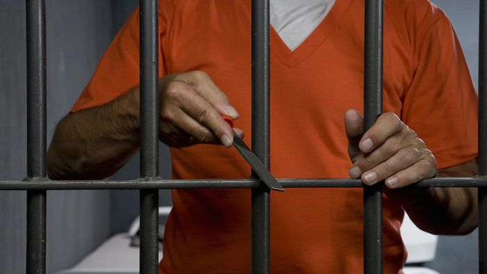 How Many Prisoners Escape From Jail Each Year?