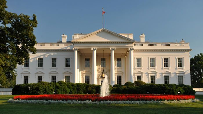 How many rooms are in the White House?