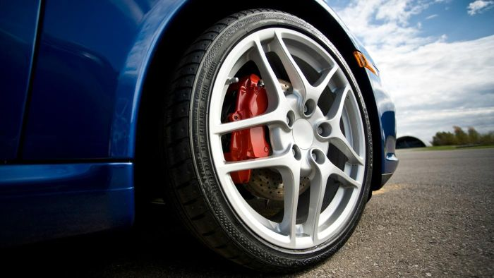 How Do I Measure My Car's Tire Pressure?
