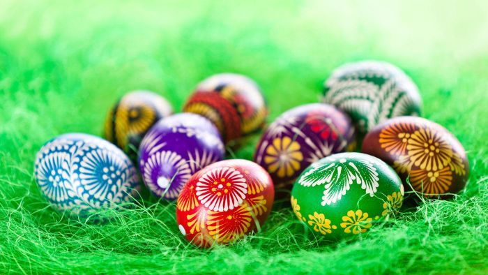 What Is the Best Method for Dying Easter Eggs?