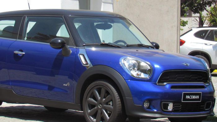 Who makes Mini Cooper cars?
