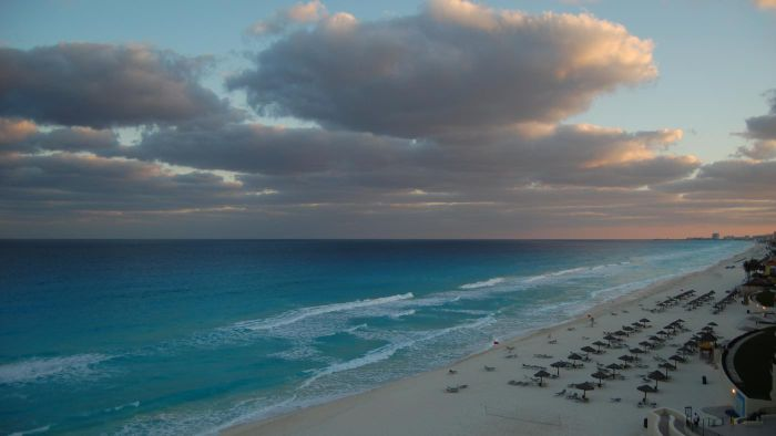 When is monsoon season in Cancun, Mexico?
