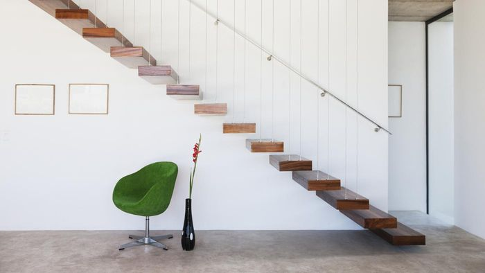 How Do You Move Heavy Furniture up Stairs?