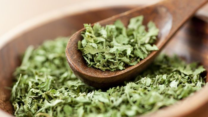 How Much Dry Parsley Equals Fresh Parsley?