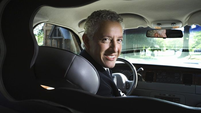 How much do limousine drivers make?
