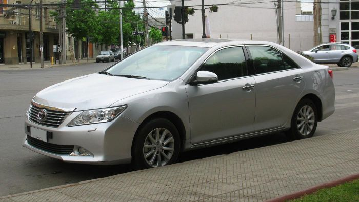 How Much Does a Toyota Camry Weigh?