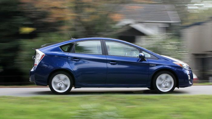 How Much Does a Toyota Prius Weigh?