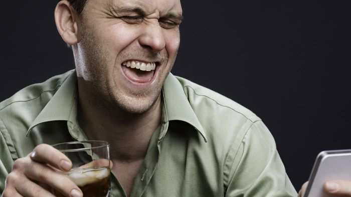 What Are the Reasons Behind Drunk Texts?