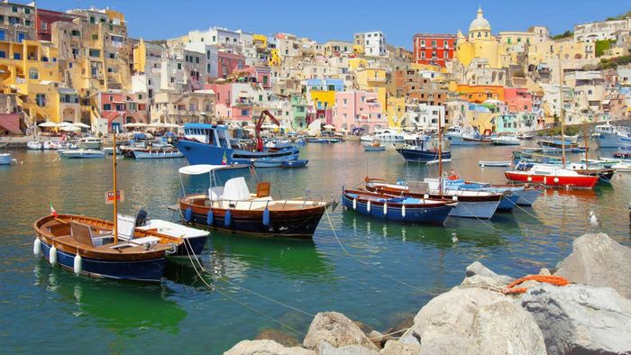 What Are the Names of Some Important Italian Seaports?