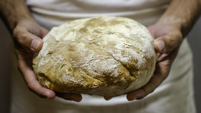 What are some names of Italian breads?