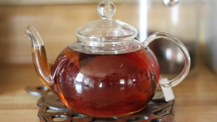 What are some natural ways to cure a dry cough?