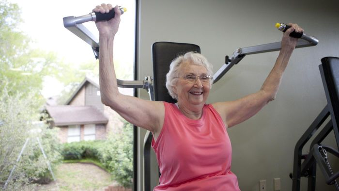 What Is the Normal Heart Rate for a 70 Year Old Woman After Moderate Exercise?