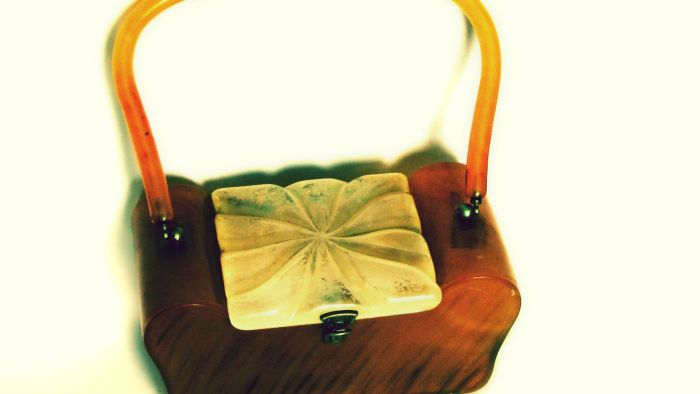 What Are Vintage Purses?