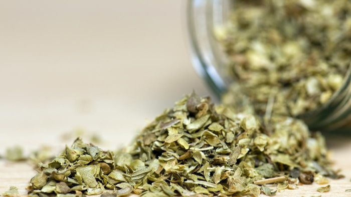 What Does Oregano Taste Like?