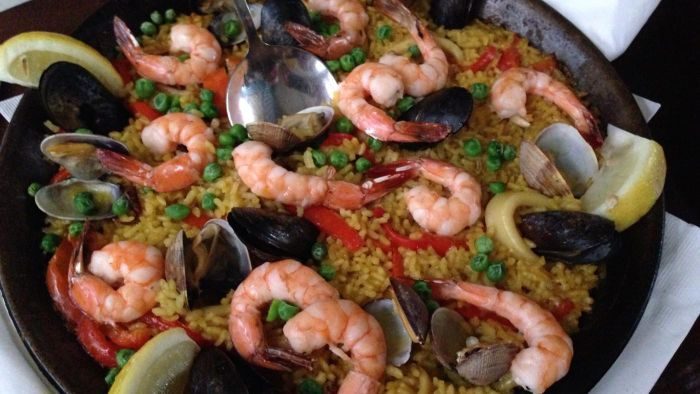 What is in paella?