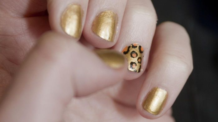 How Do You Paint Your Nails With Leopard Prints?