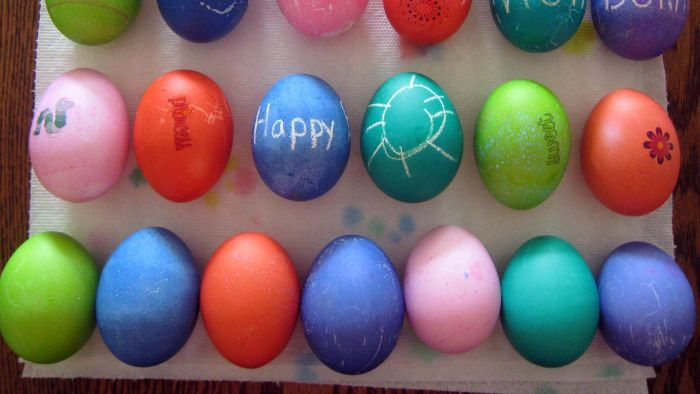 Why Do People Use Vinegar When Dyeing Eggs?