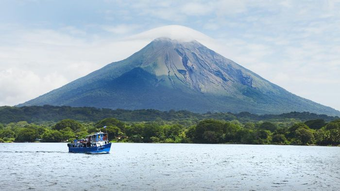 What Are the Physical Features of Nicaragua?
