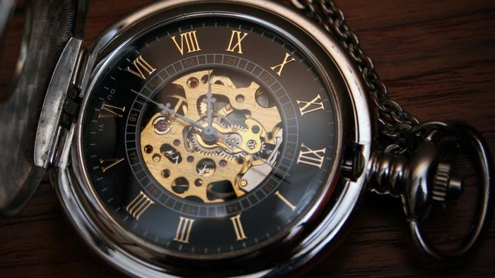 When Was the Pocket Watch Invented?