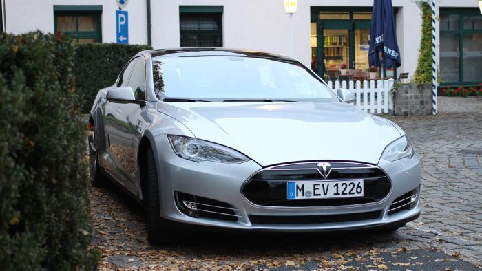 What Is the Price of a 2013 Tesla Model S?