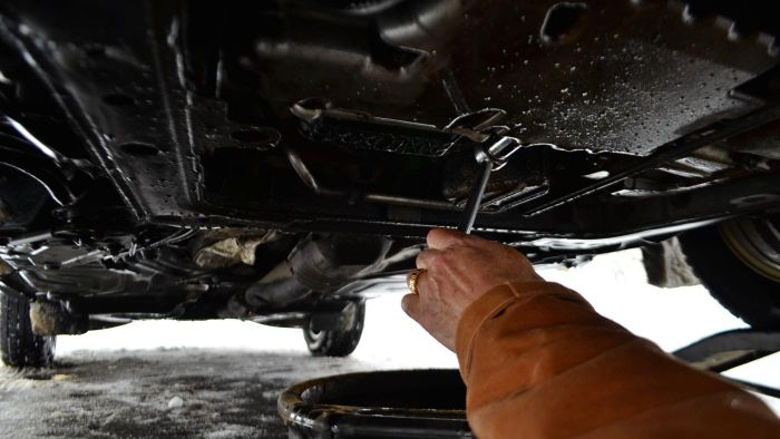 How Do I Find the Price of an Oil Change at Mr. Lube?