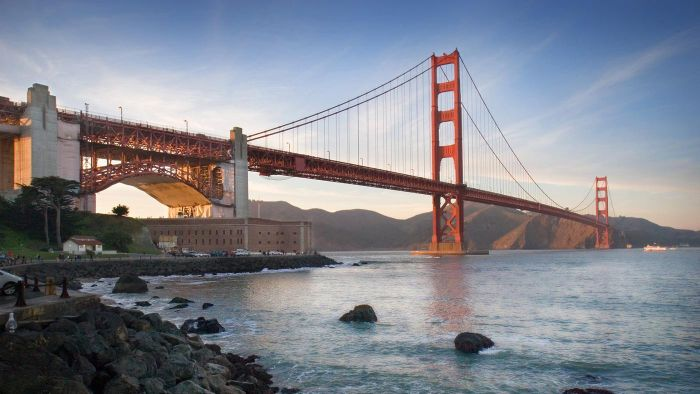 what is the purpose of the golden gate bridge reference com
