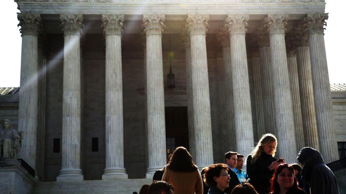 What Are the Qualifications to Serve As a Supreme Court Justice?