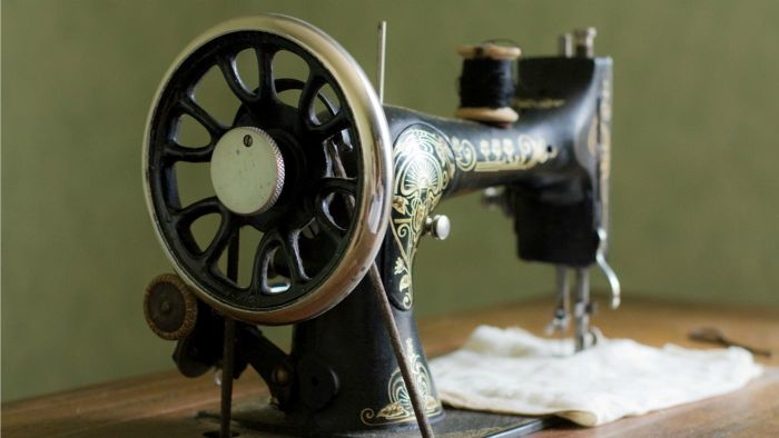 How Do You Refinish Antique Sewing Machines?