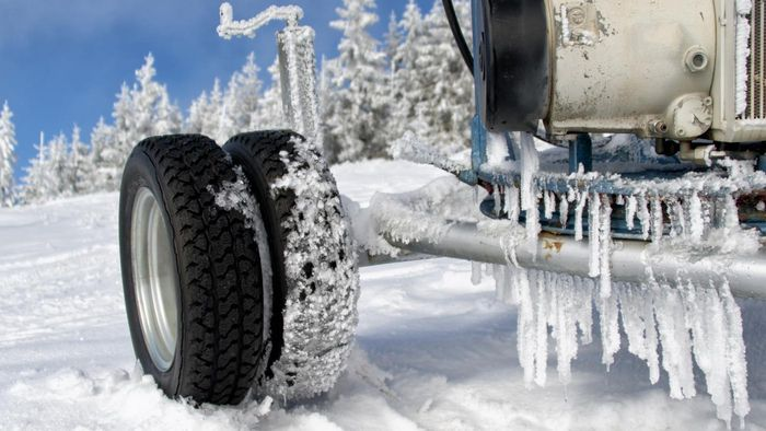 How do I find reliable reviews for snow tires?