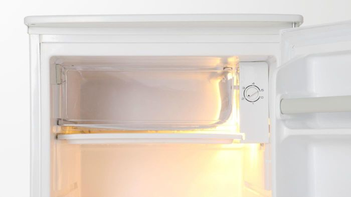 How Do You Remove Odors From Freezers?