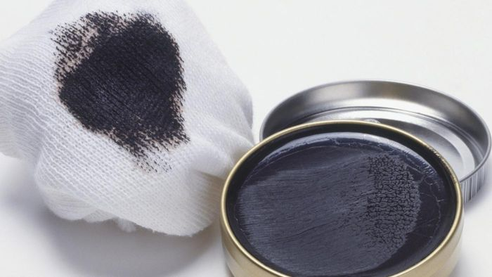 How Do You Remove Shoe Polish From Car Windows?