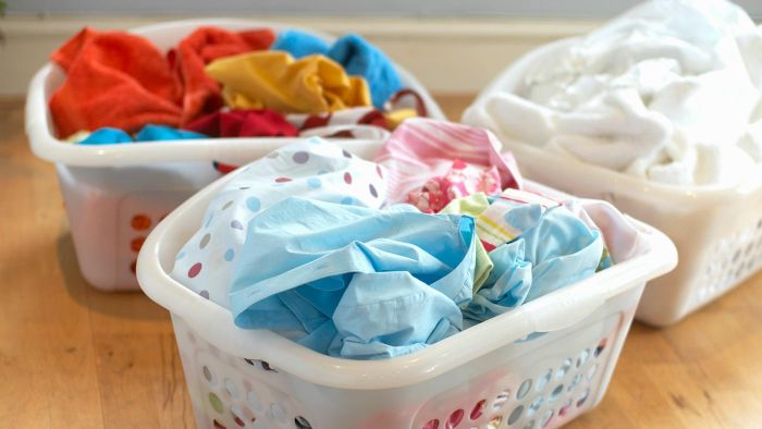 How Do You Remove a Sour Smell From Laundry?