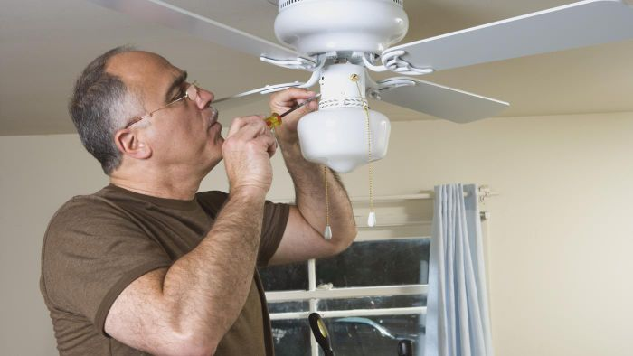 How do you replace ceiling fan blades