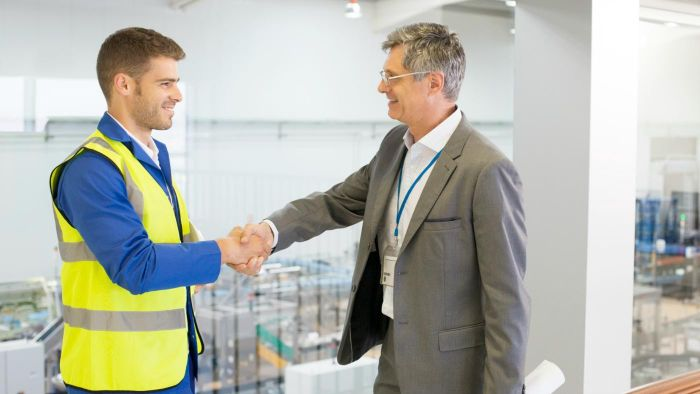 What is the role of a facilities manager?