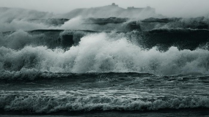 How are sea waves formed?