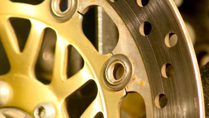 Should You Take Your Car to a Professional to Have a Brake Rotor Replaced?