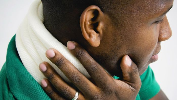 When Should You Consult a Doctor About Neck Pain?