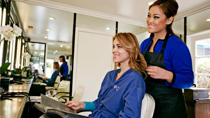 What Should You Give a Hairdresser for Christmas?