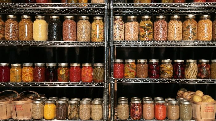 What Should I Look for When Starting a Mason Jar Collection?