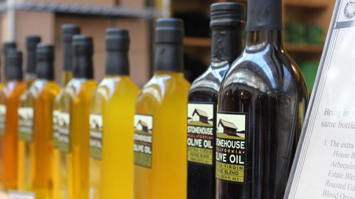Should People With Kidney Disease Avoid Eating Olive Oil?